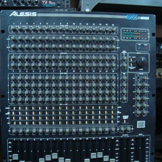ALESIS 1622 mixer